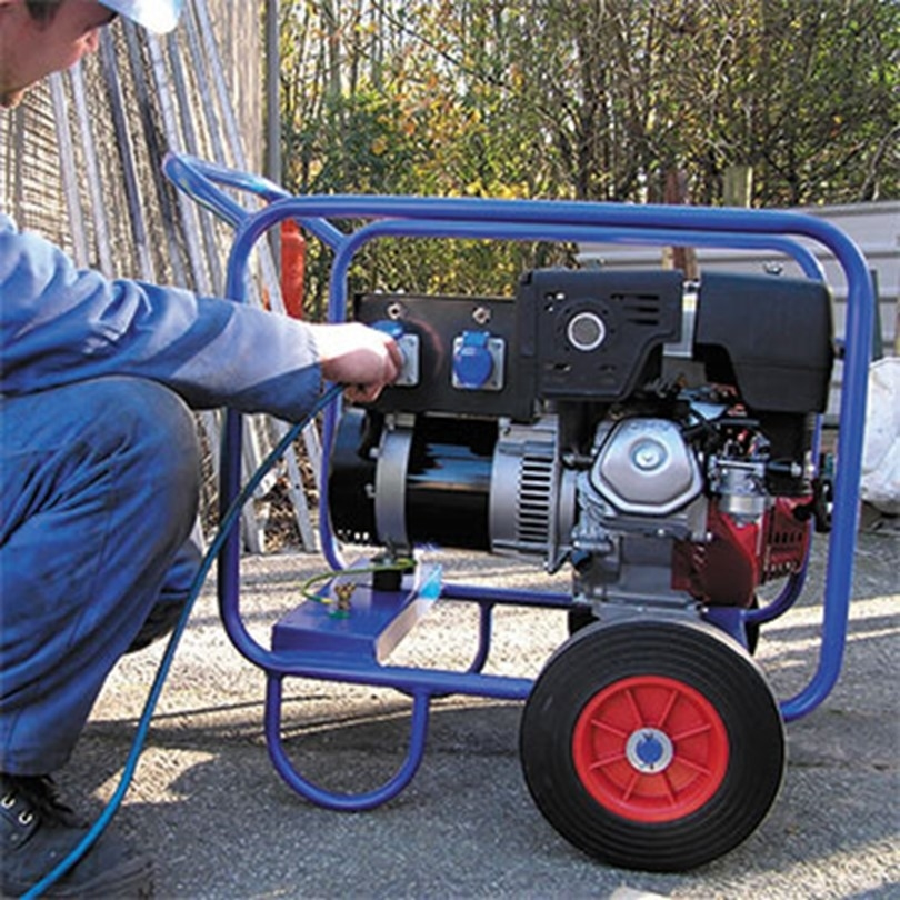 Which generator is suitable for submersible pump