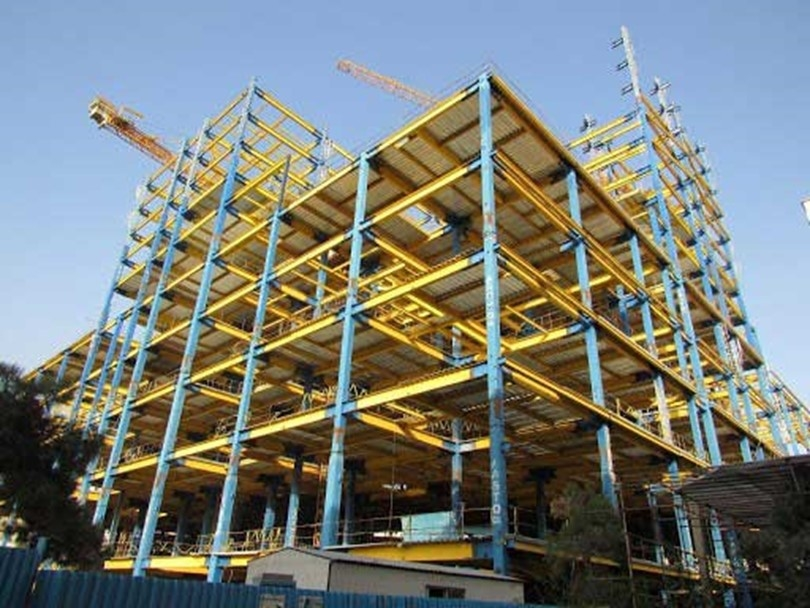 ?What are the main reasons for the failuse of construction lifts