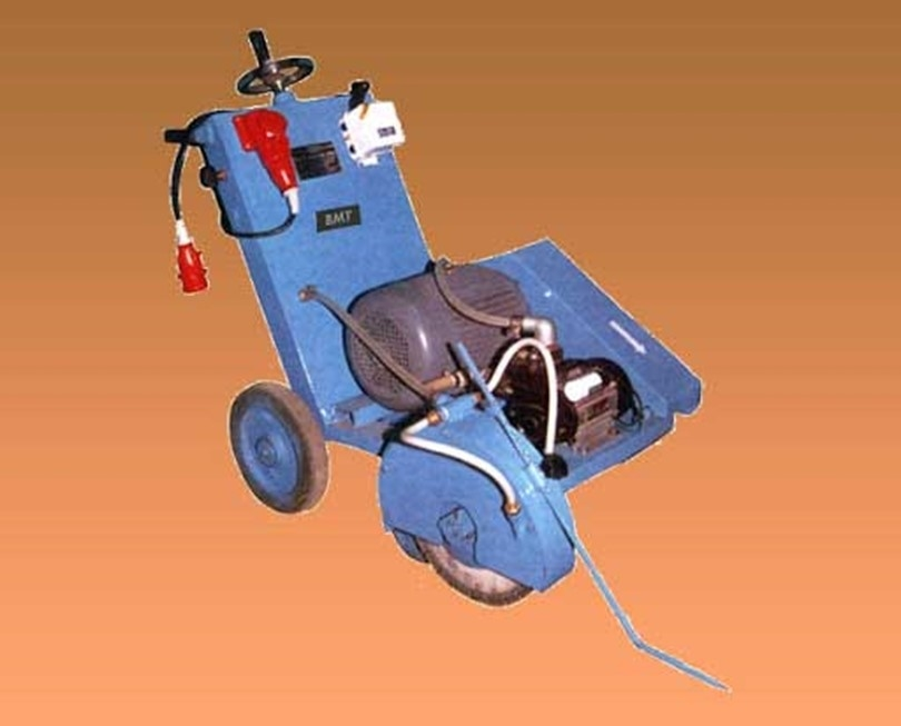 Why is it better not to buy an electric asphalt cutter?